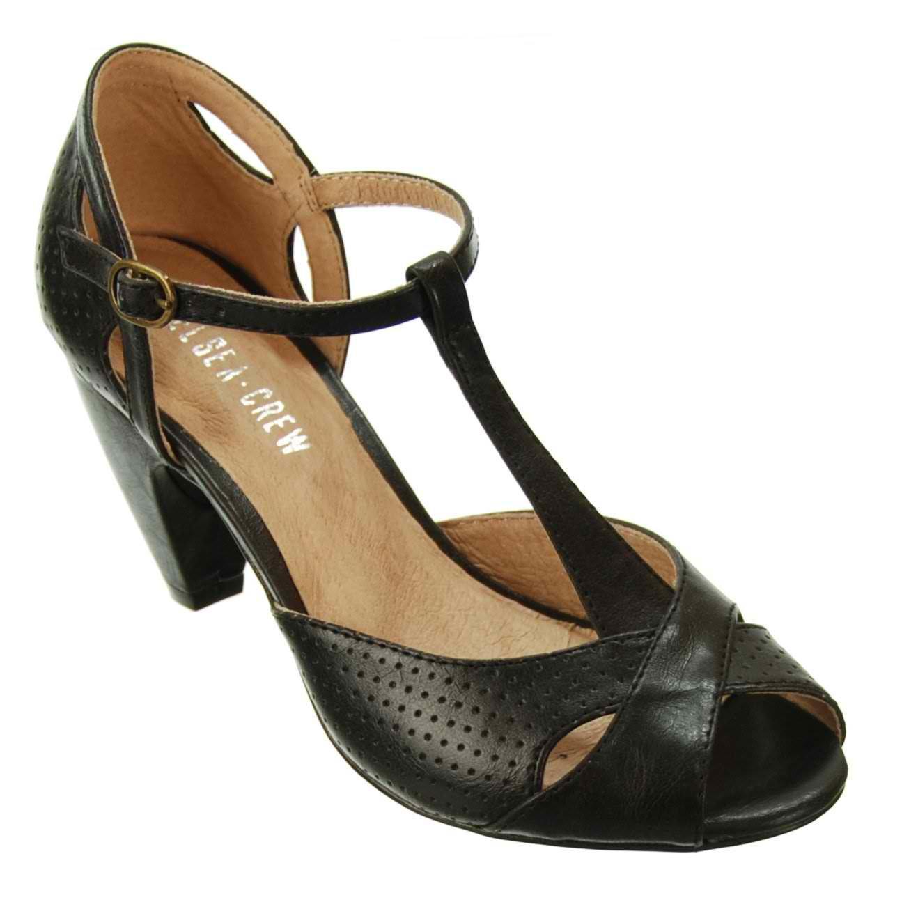 Modest Shoes: Chelsea Crew - MoMoMod - Modest Style Blog | Modest